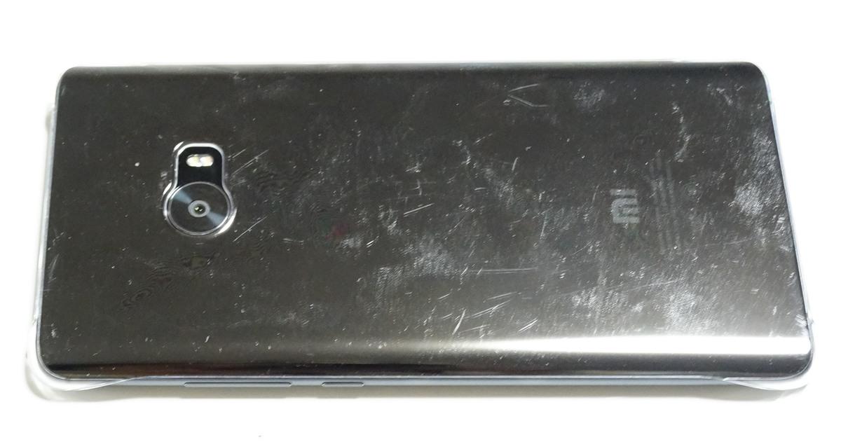 Xiaomi mi note 2はケース付き
