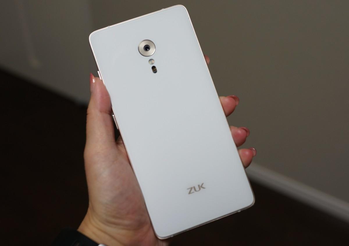 ZUK Z2 PRO レビュー 背面の写真