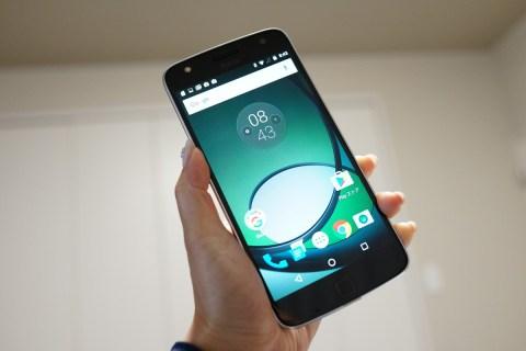 Lenovo Moto Z Play レビュー DOCOMO系SIMで同時待ち受け可能!