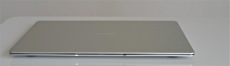 Jumper EZbook 3 Pro レビュー 外観参考写真 フロント