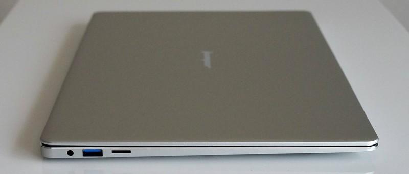 Jumper EZbook 3 Pro レビュー 外観参考写真 左側面ポートのラインアップ