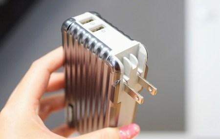 ROMOSS モバイルバッテリーレビュー 大容量10000mAh ACプラグ内蔵 USB2ポート搭載