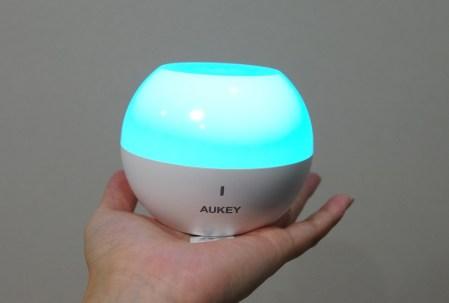 防水でキャンプや屋外使用にもおすすめなAUKEYのポータブルナイトライト