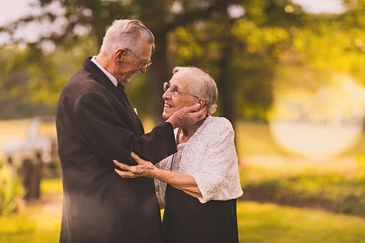 Elderly Couple Has Anniversary Photo Shoot for 65th Wedding Anniversary