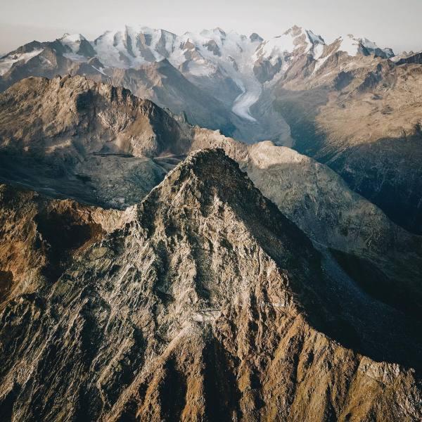 18-year-' Landscape Captures Epic Mountain Ranges