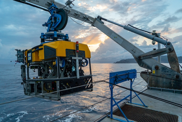 Schmidt Ocean Institute - Falkor - Deep Sea Research in Costa Rica