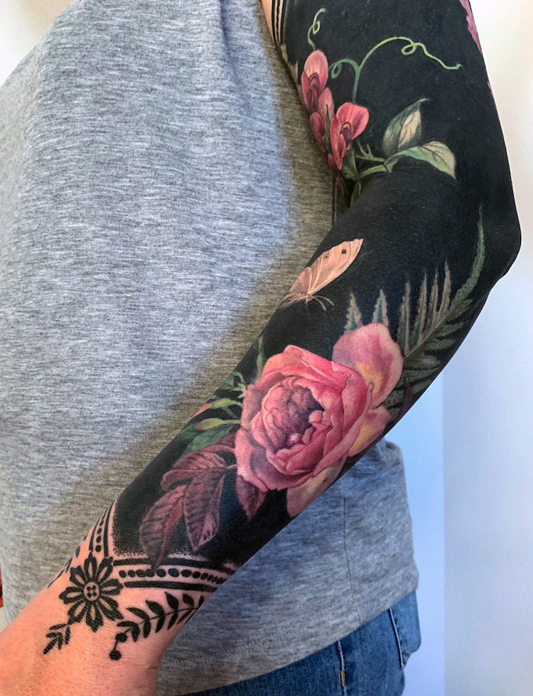 Black Flower Tattoo : black, flower, tattoo, Brilliant, Coverup, Tattoos, Combine, Blackout, Blossoms