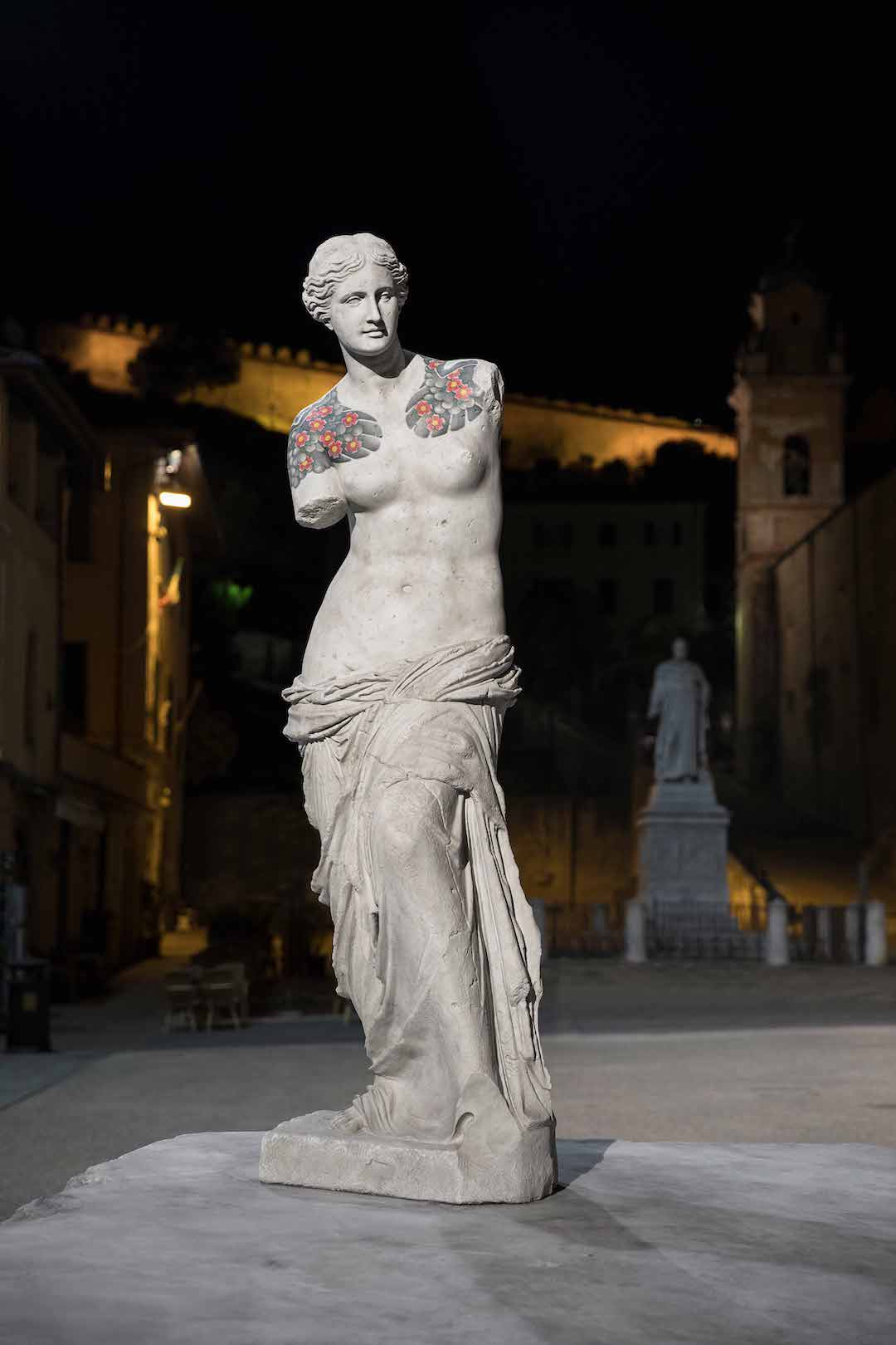 Marble Statue Tattoo : marble, statue, tattoo, Artist, Places, Tattooed, Marble, Sculptures, Historic, Italian