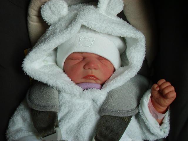 hyper realistic newborns 10