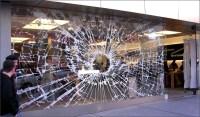 The Art of Window Displays (15 Creative Examples)
