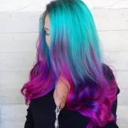 """""""mermaid hair"""" trend women"""