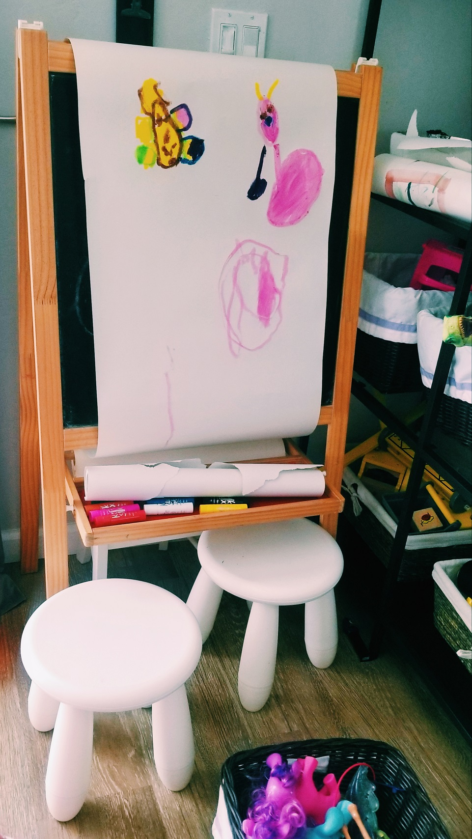 easel for displaying kid artwork