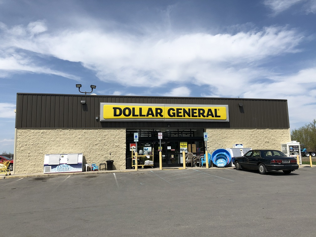 Dollar General Store Front