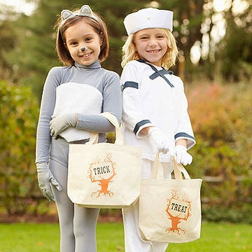 Trick-or-Treat! 15 Homemade Bag & Bucket Ideas