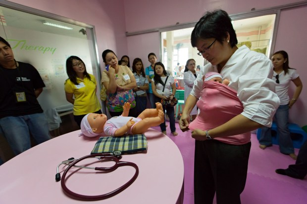 Dr. Imperial on Kangaroo Care (Photo by Laurence Del Mundo)