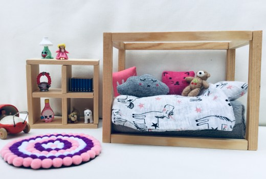 Dolls house bed