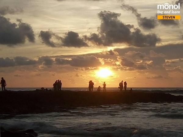beach-sunset-weekend-trip