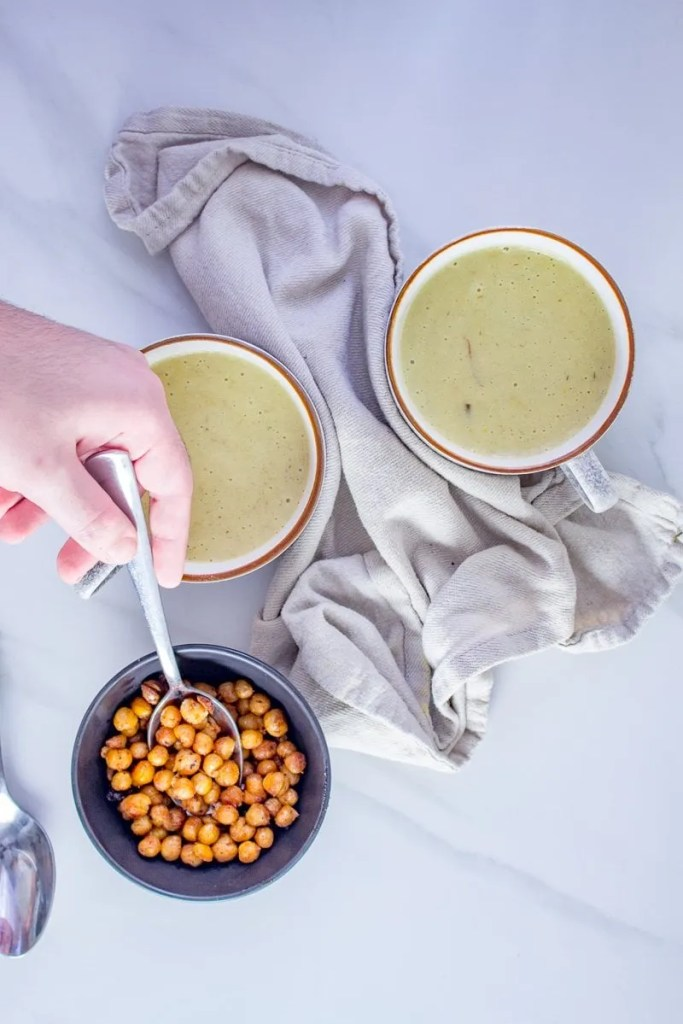 Moroccan Spiced Potato Leek Soup - This is not your average potato leek coup. It's full of flavours & spices and as my wife's puts it: it's like drinking cheesy goodness.