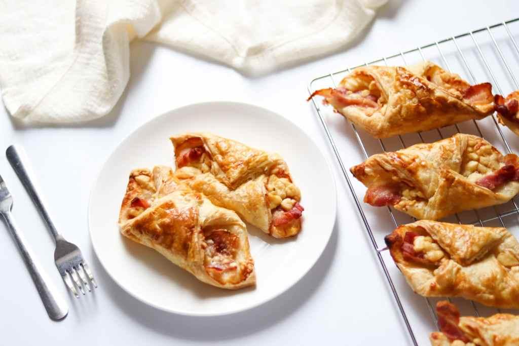 Bacon-and-Cheese-turnover-recipe