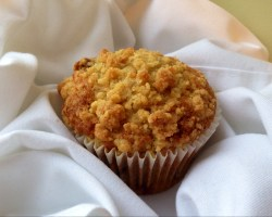 Streusel topped fruit muffin