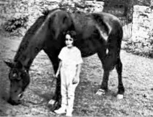 Elizabeth Taylor and her horse Betty no 2