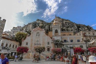 Center of Taormina's Corso