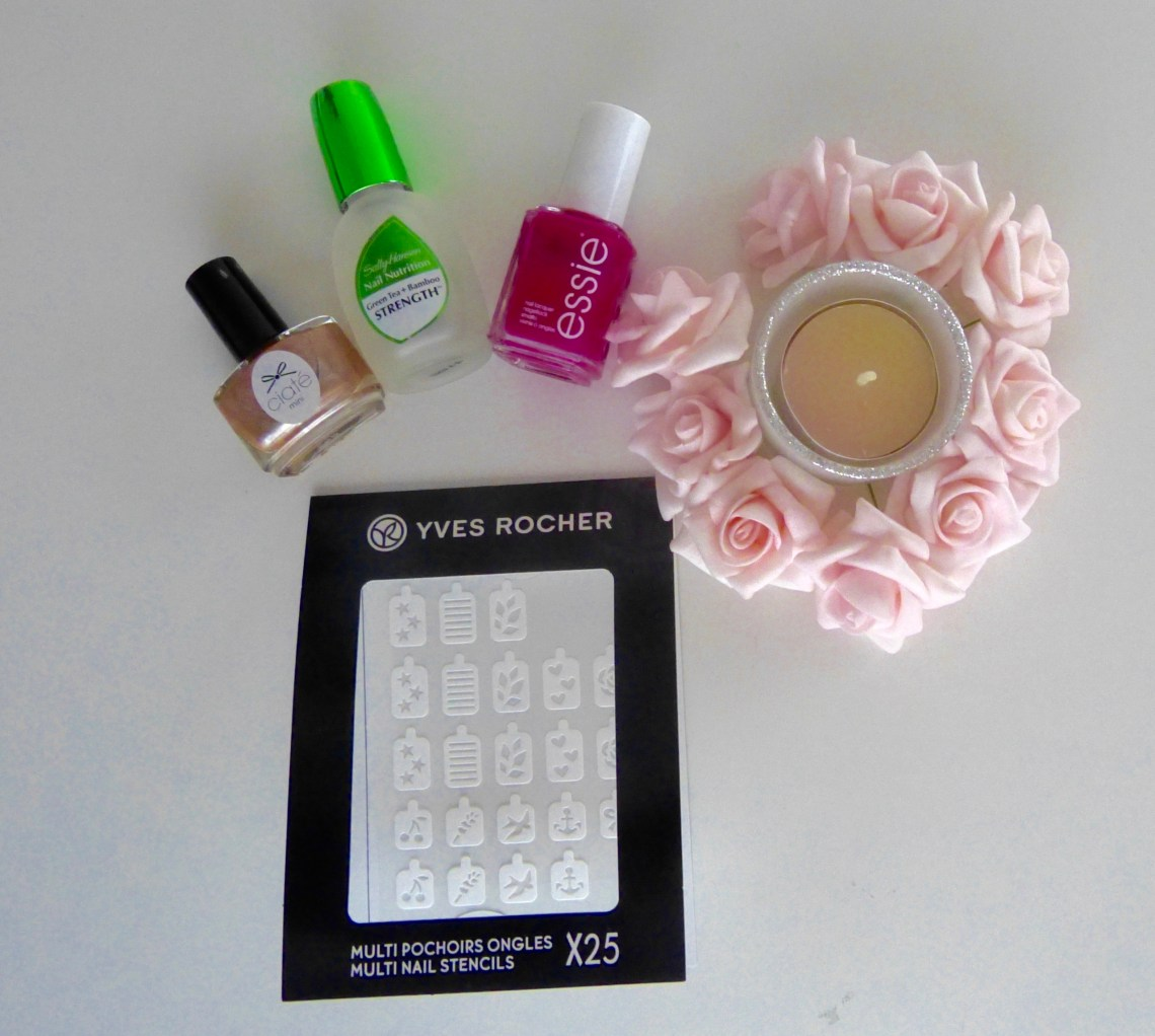 pochoirs nail art yves rocher