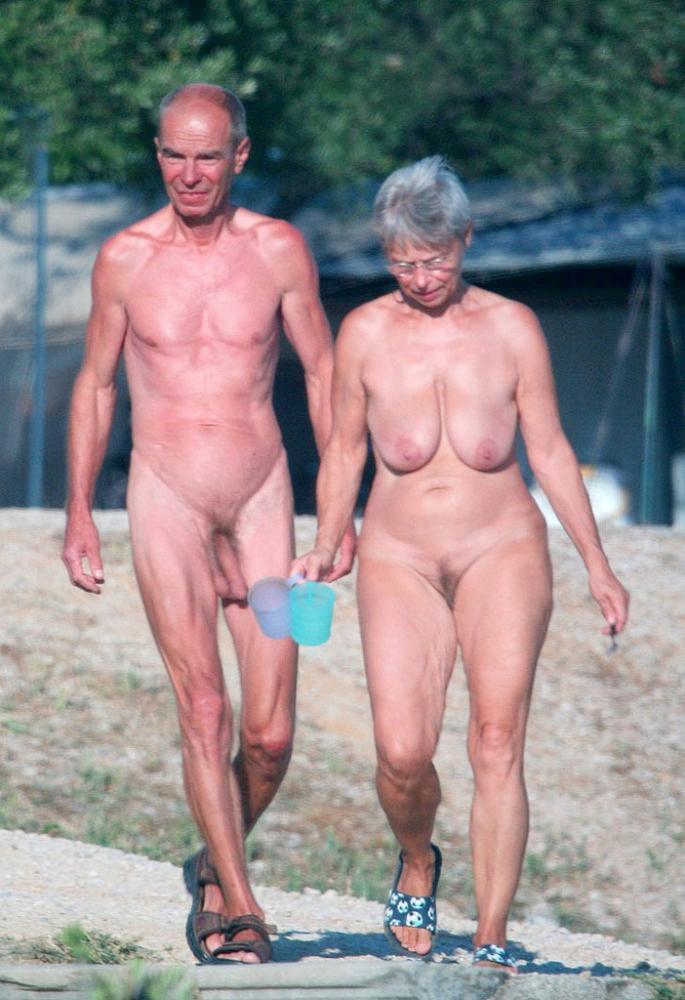 Saggy Balls Nude : saggy, balls, Shaved, Saggy, Balls, Posing, Girlfriend's, Flabby, Hairy