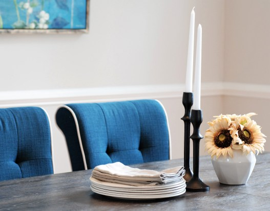 Picture of dining room tablescape with sunflowers