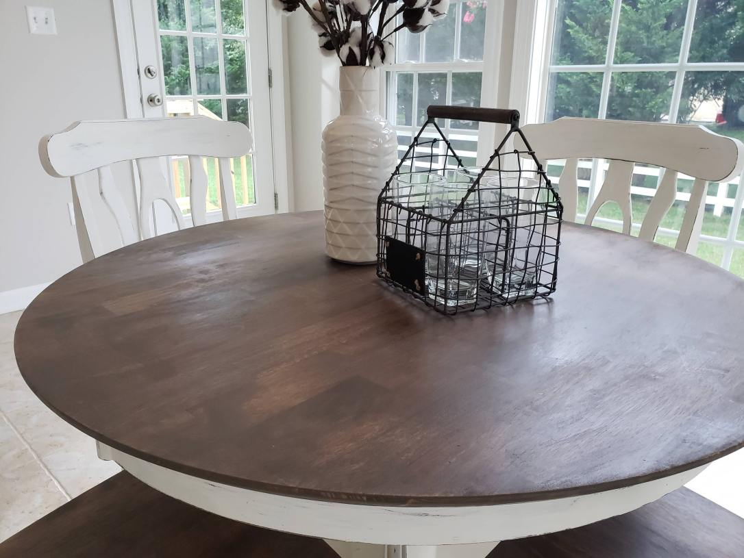 Round table with farmhouse decor