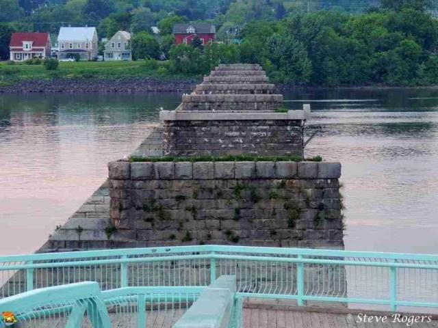 Old Carleton St Bridge Piers