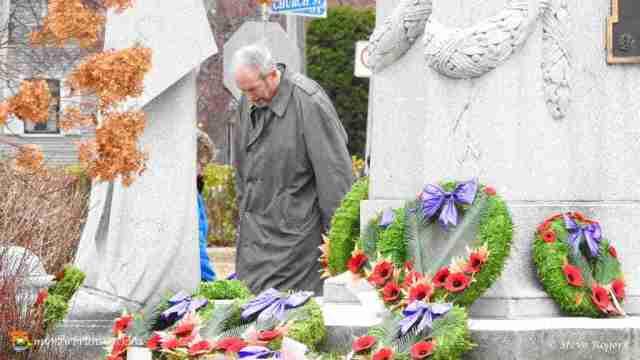 Fredericton Cenotaph 2015 03