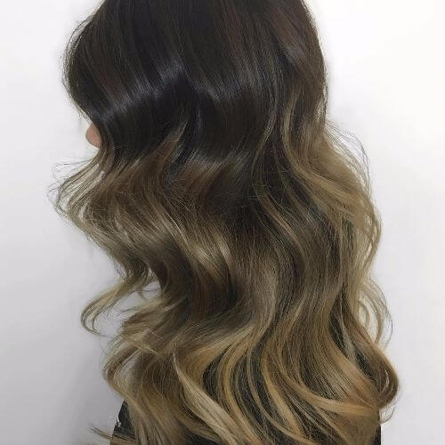 loose waves in black hair color