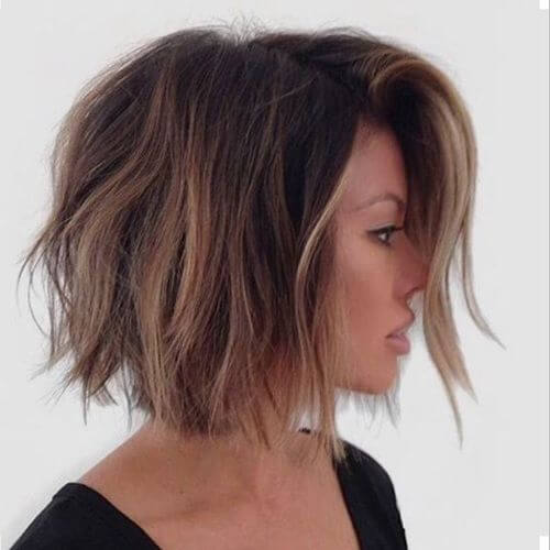 bob hairstyle with caramel highlights