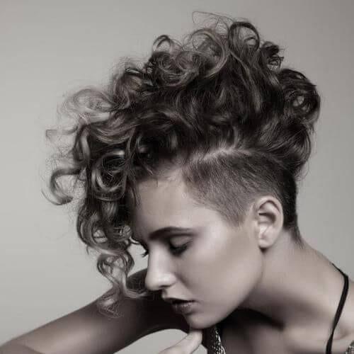 fauxhawk corto cortes de pelo para cabello rizado