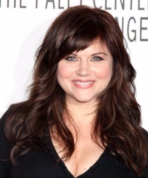 The best 70 haircuts for round faces my new hairstyles tiffani thiessen long curls haircuts for round faces winobraniefo Image collections