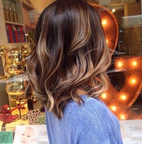la luz de almendra balayage color de pelo
