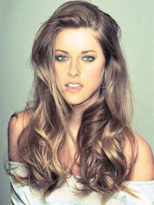 Kristen Stewart brown hair with blonde highlights