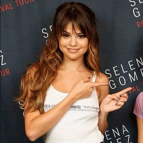selena gomez long hair with bangs