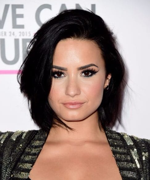 demi lovato short hair with bangs