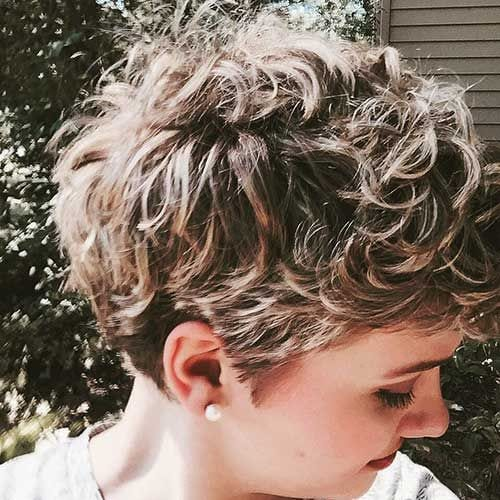 blonde highlights curly pixie cut