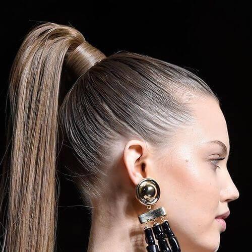 cola de caballo alta peinados para cabello lacio