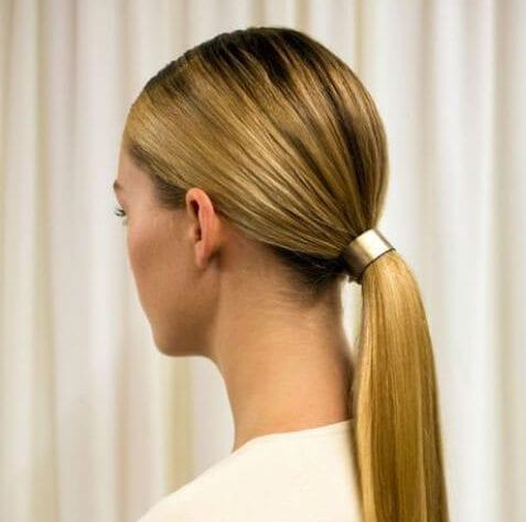 cola de caballo baja y peinados para cabello lacio