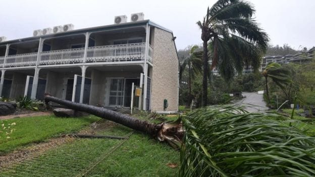 'Monster' storm batters Australia