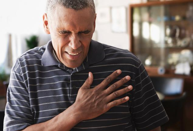 Early warning signs of heart attacks 'being missed'
