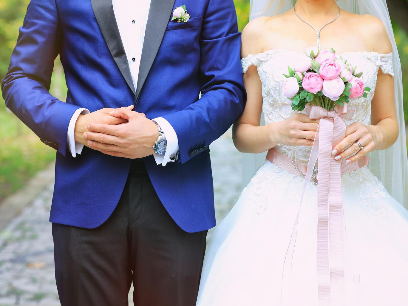 Is it sexist for men to expect their wife to adopt their name?