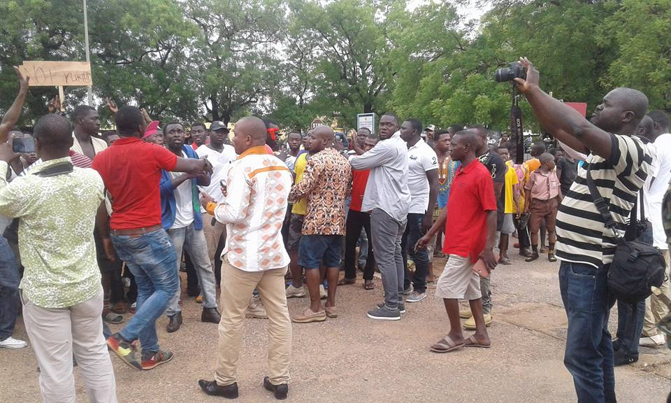 Angry Wa Youth Demonstrate Against Police