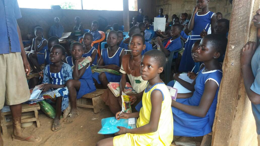 Over 100 Pupils of Jamboi community primary school study in one classroom