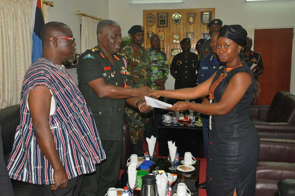 Major Mahama's widow receives GH¢27,770 cash donations from fundraising