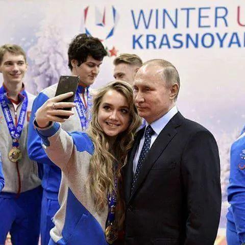 I don't use a smartphone- Vladimir Putin